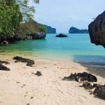 Enskild liten strand i Koh Hong - Krabi